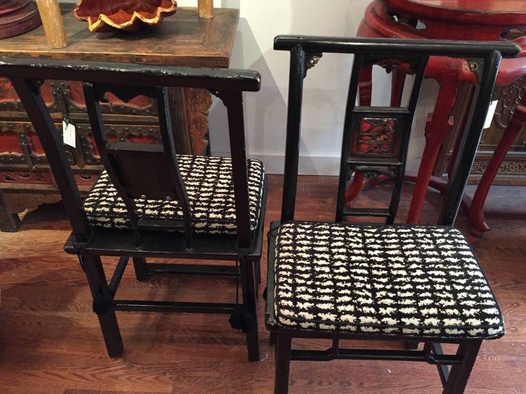 Elm 19th Century Black and Red Lacquered Qing Dynasty Side Chair For Sale