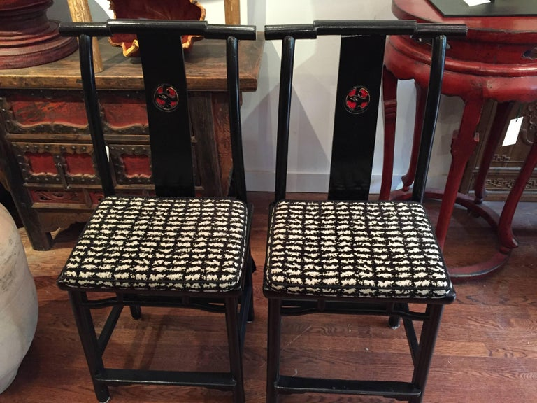 Chinese 19th Century Qing Dynasty Black and Red Lacquered Side Chair For Sale