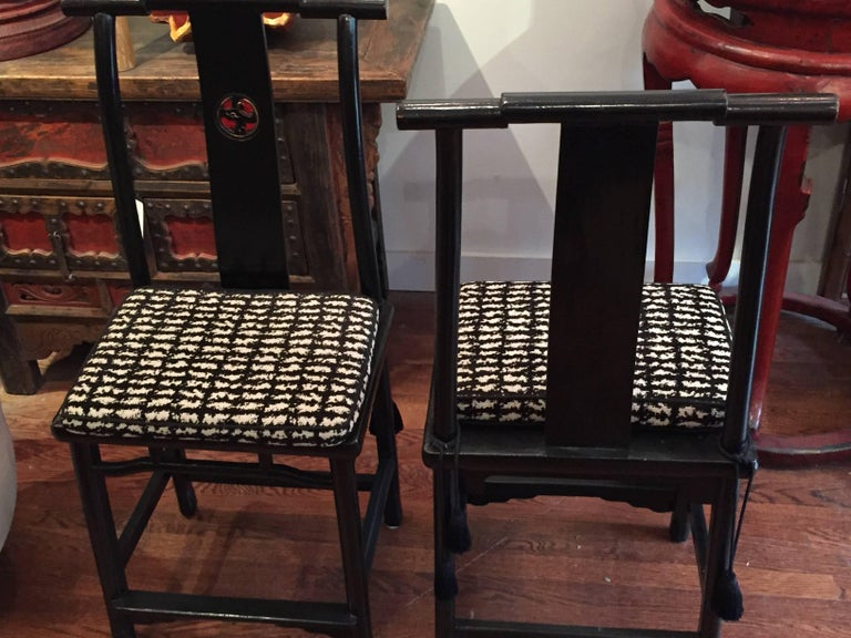 19th Century Qing Dynasty Black and Red Lacquered Side Chair For Sale 2