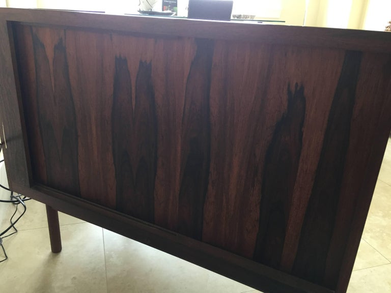 Midcentury Rosewood Bar/Sideboard in the Style of Arne Vodder For Sale 1