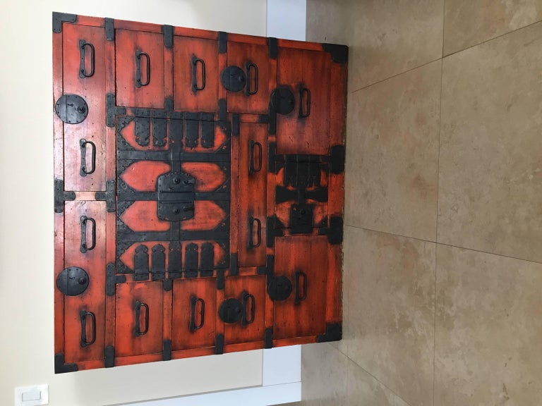 19th Century Japanese Lacquered Tansu For Sale 5
