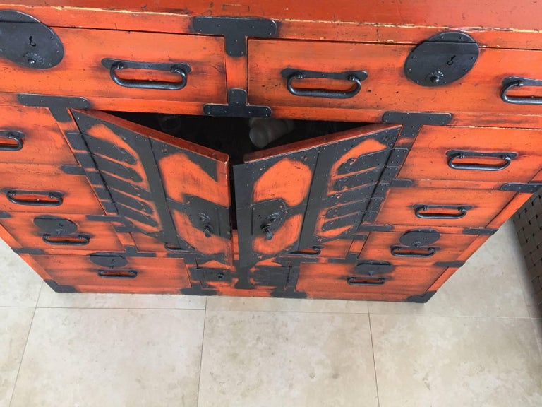 19th Century Japanese Lacquered Tansu For Sale 3