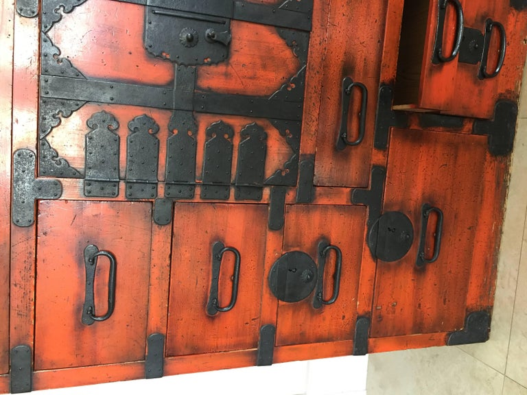 19th Century Japanese Lacquered Tansu For Sale 2