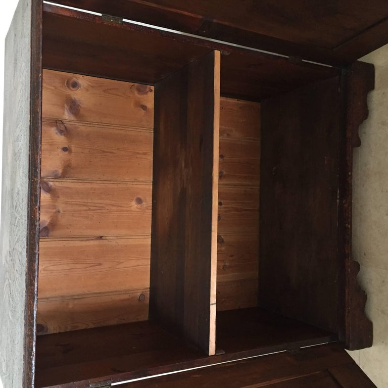 Oak 19th Century Arts & Crafts Poker Cabinet For Sale