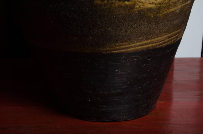 Early 18th Century Thai Glazed Terra Cotta Water Vessel For Sale 3