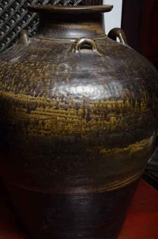 Early 18th Century Thai Glazed Terra Cotta Water Vessel For Sale 1
