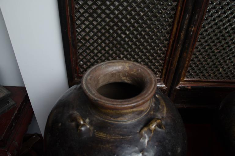 Early 18th Century Thai Glazed Terra Cotta Water Vessel For Sale 2