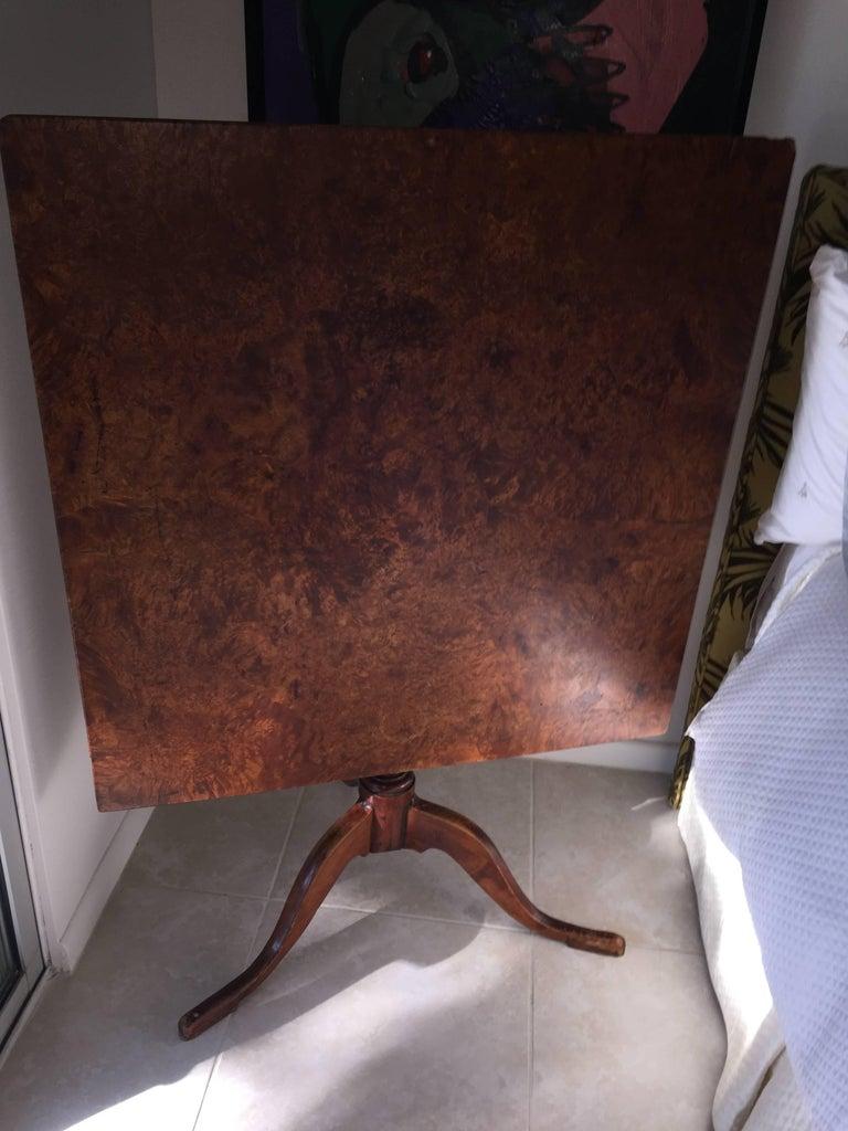Early 19th Century Biedermeier Tiger Maple Tilt-Top Table For Sale 2