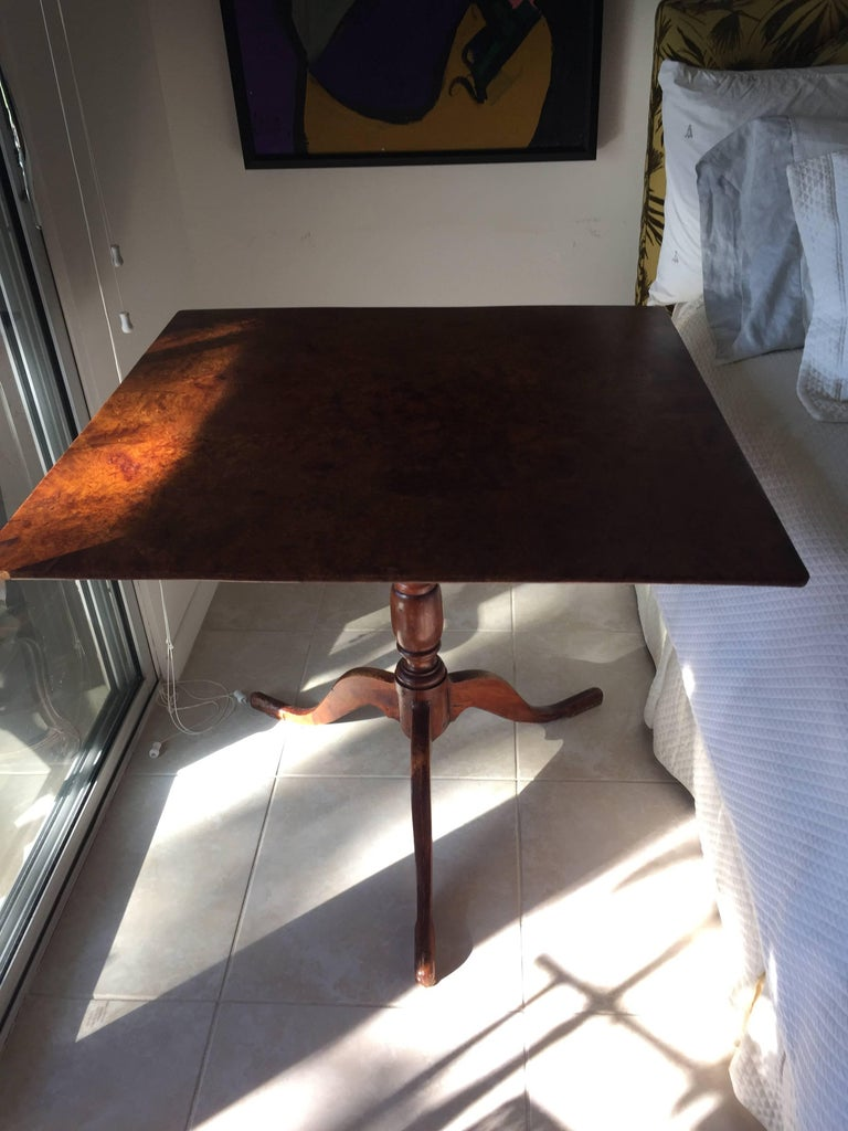 Early 19th Century Biedermeier Tiger Maple Tilt-Top Table For Sale 4