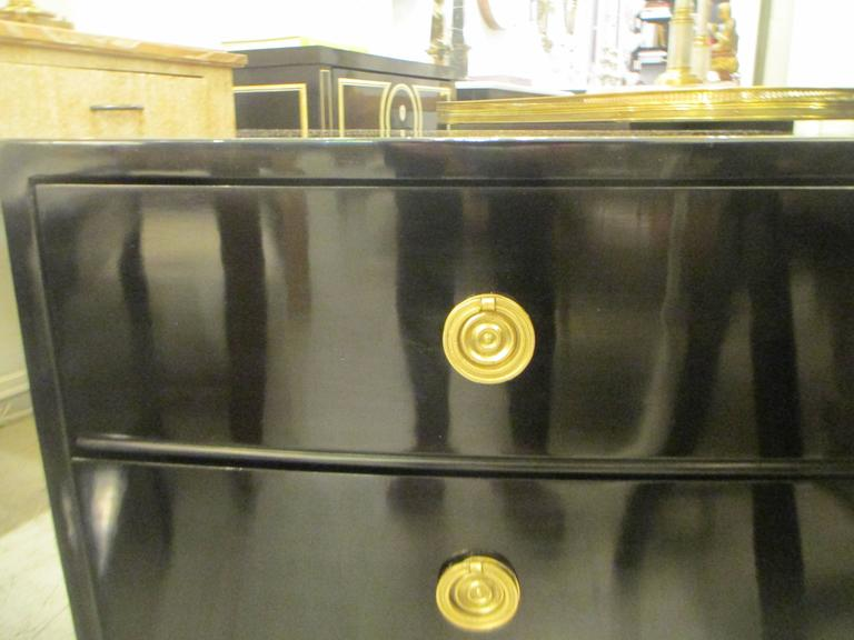 20th Century Pair of Mid-Century Lacquered Nightstands in the Neoclassic Manner For Sale