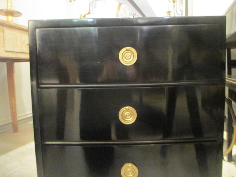 Pair of Mid-Century Lacquered Nightstands in the Neoclassic Manner For Sale 3