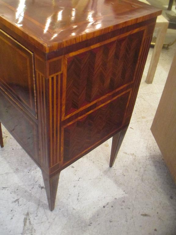 Fine Pair of Antique Italian Neoclassic Parquetry Nightstands 4