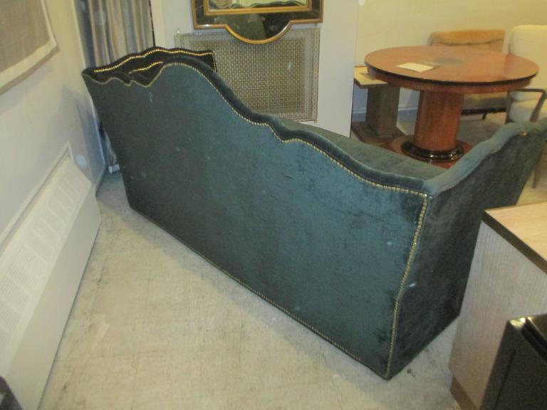 Vintage Baker Silk Velvet-Upholstered Sofa In Excellent Condition For Sale In New York, NY