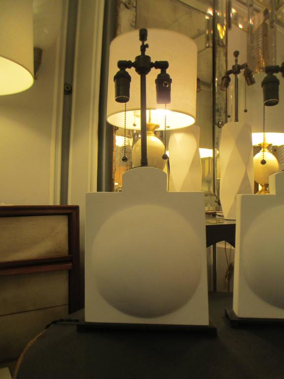 Contemporary Pair of Modern Sculptural Plaster Lamps For Sale