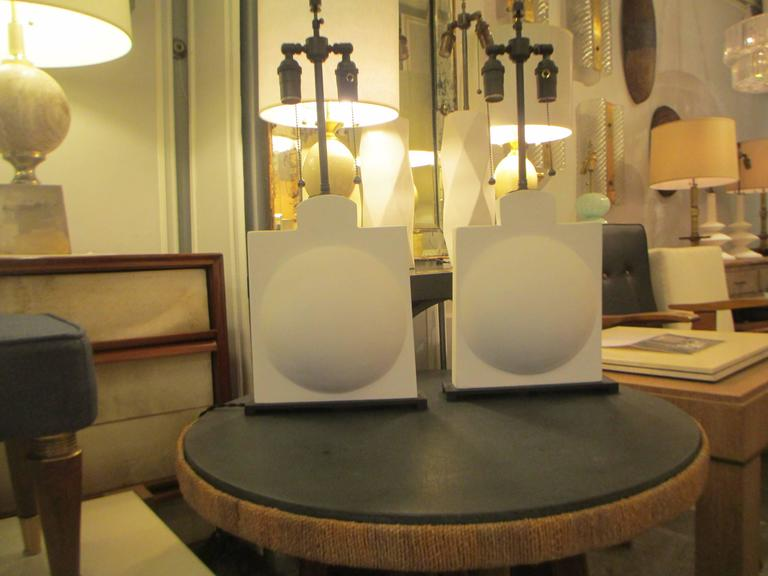 Pair of Modern Sculptural Plaster Lamps For Sale 1