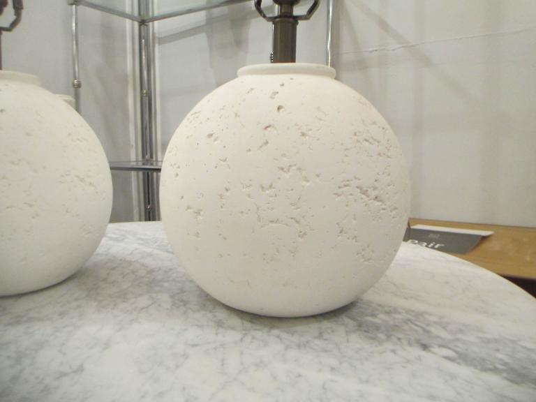 Pair of Textured Circular Plaster Lamps In Excellent Condition For Sale In New York, NY