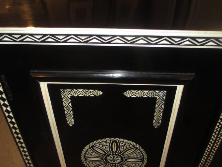 Hand-Decorated Cabinet in the Anglo-Indian Manner In Excellent Condition For Sale In New York, NY