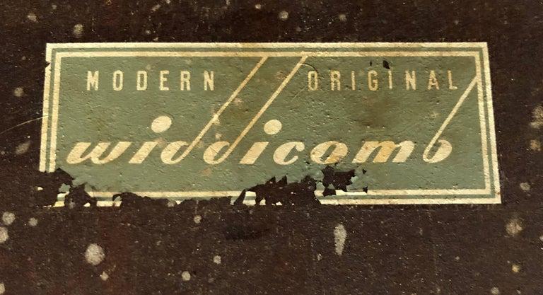 Mid-20th Century Pair of Robsjohn-Gibbings Walnut Side Tables For Sale