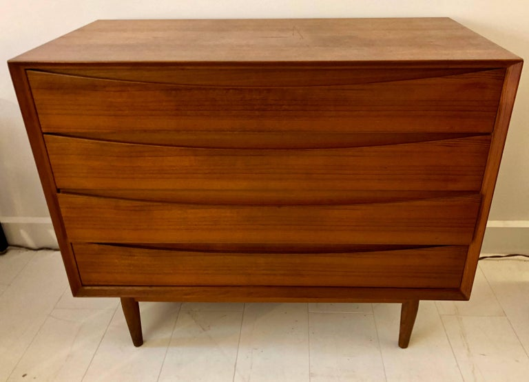 Mid-Century Modern Teak Chest of Drawers by Arne Vodder  For Sale