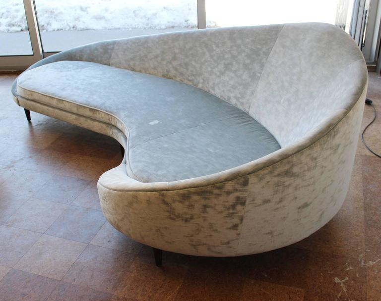 Federico Munari Sofa In Good Condition For Sale In Southampton, NY