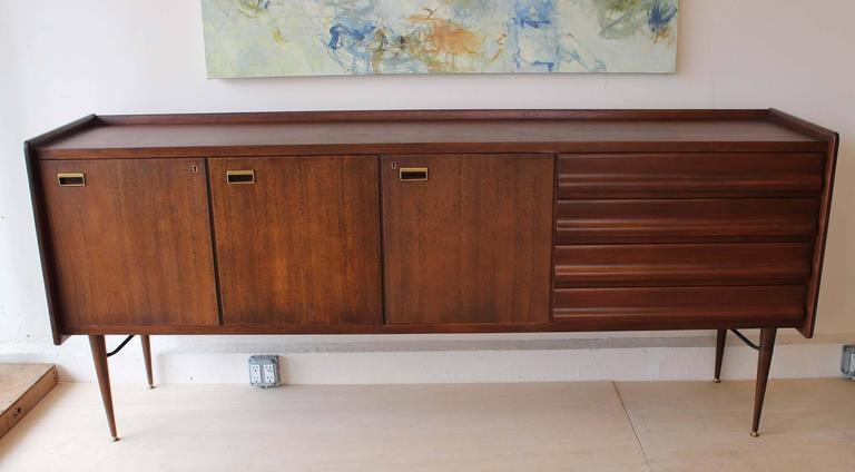Mid-Century Modern Italian Sideboard For Sale