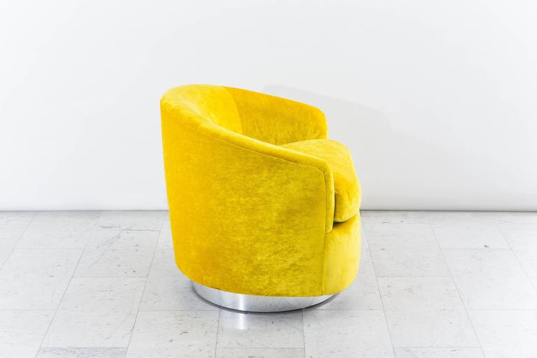Milo Baughman, Yellow Velvet Swivel Chair, USA, 1970s 2