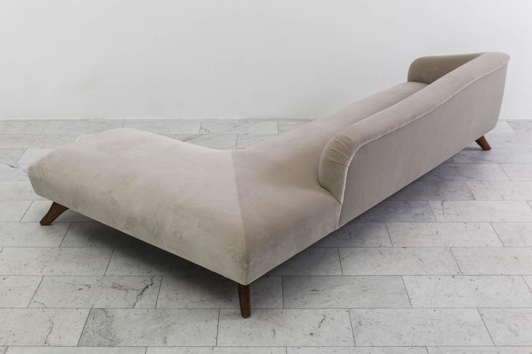 American Vladimir Kagan, L-Shaped Swan Back Sofa, USA, circa 1955 For Sale