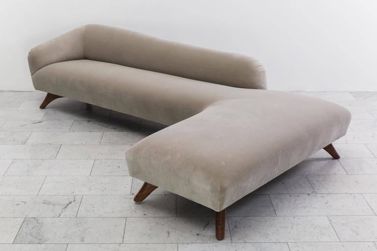 Mid-20th Century Vladimir Kagan, L-Shaped Swan Back Sofa, USA, circa 1955 For Sale