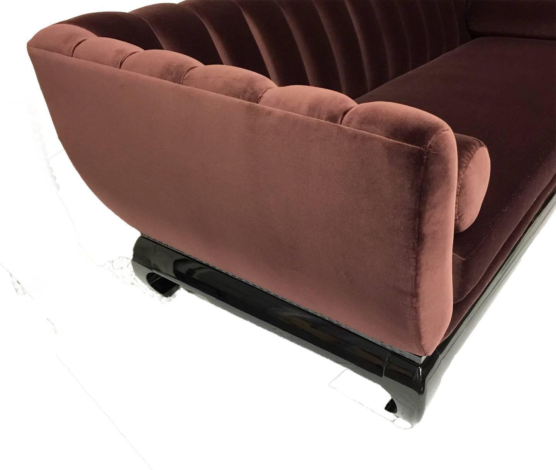 Elegant Hollywood Regency Sofa For Sale at 1stdibs