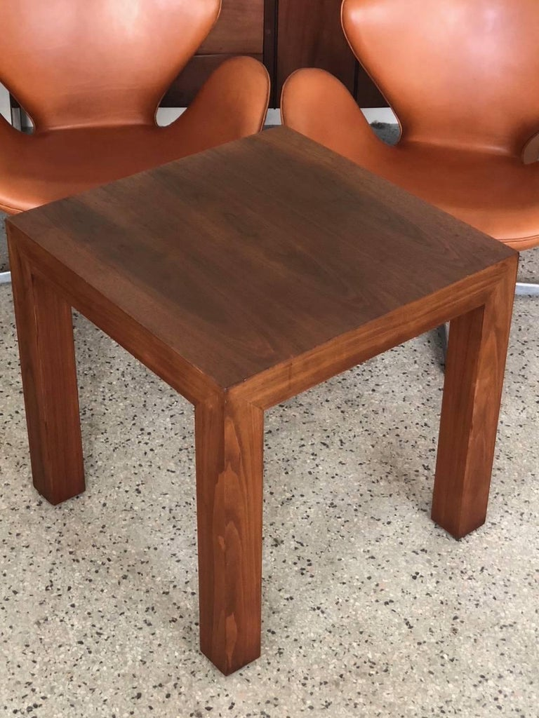 A signed Vladimir Kagan parsons square shaped table. Nicely figured walnut, measuring approx. 25 x 25 x 24.75