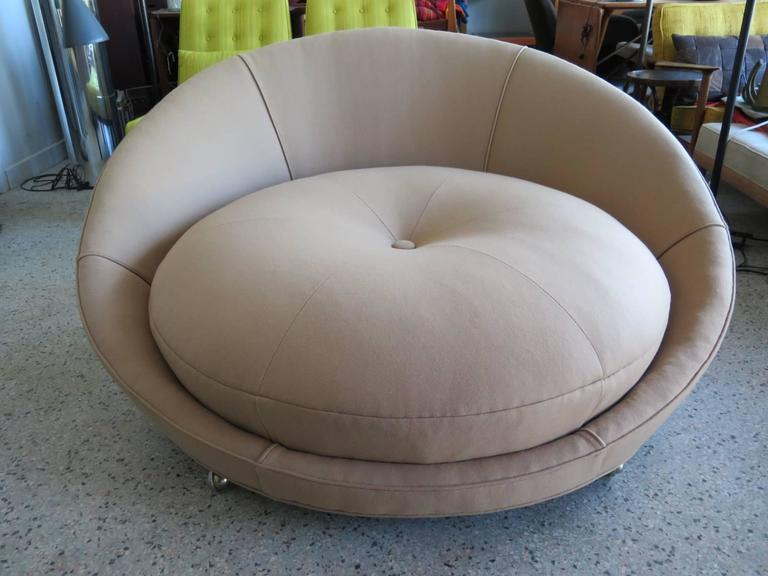 Fantastic And Fun Large Round Chair By Milo Baughman, Shaped Like A Button.  New