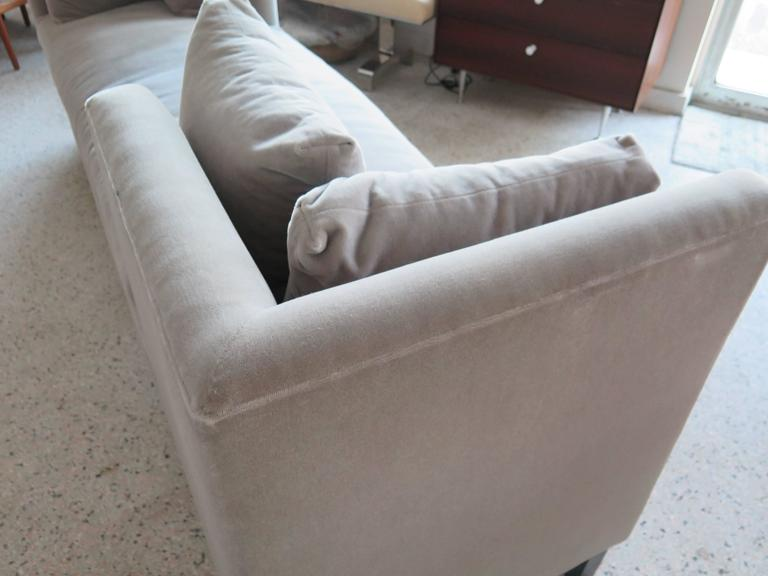 Harvey Probber Tete-A-Tete Sofa In Good Condition In St.Petersburg, FL