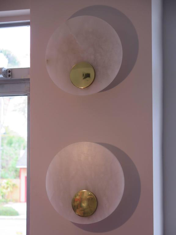 Set of Three Alabaster and Brass Sconces by Lightolier In Good Condition For Sale In St.Petersburg, FL