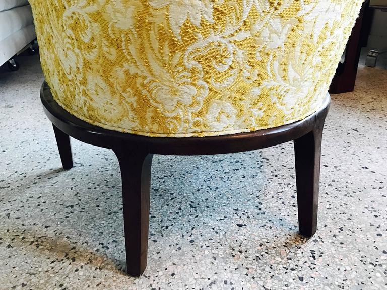 Pair of Elegant Tub Chairs by Henredon In Good Condition For Sale In St.Petersburg, FL