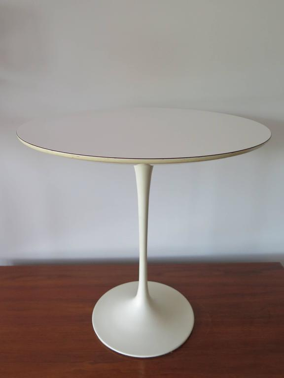 Classic Eero Saarinen for Knoll Vintage Side Table 2