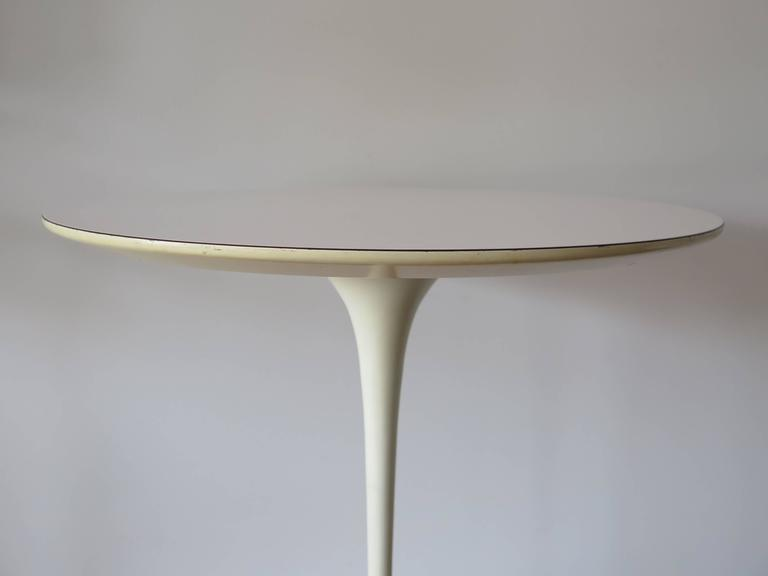 Classic Eero Saarinen for Knoll Vintage Side Table 3