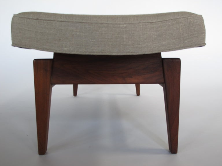 Jens Risom Upholstered Bench In Good Condition For Sale In St.Petersburg, FL