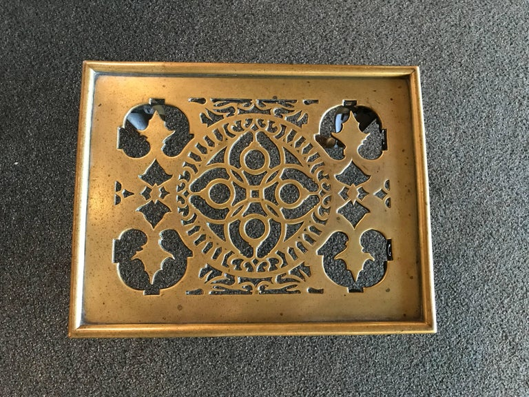 English Regency Brass Footman Side Table In Good Condition For Sale In Stamford, CT