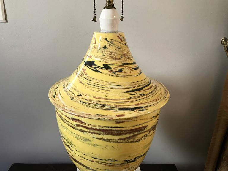 20th Century Italian Yellow Agateware Urn Form Pottery Lamp For Sale