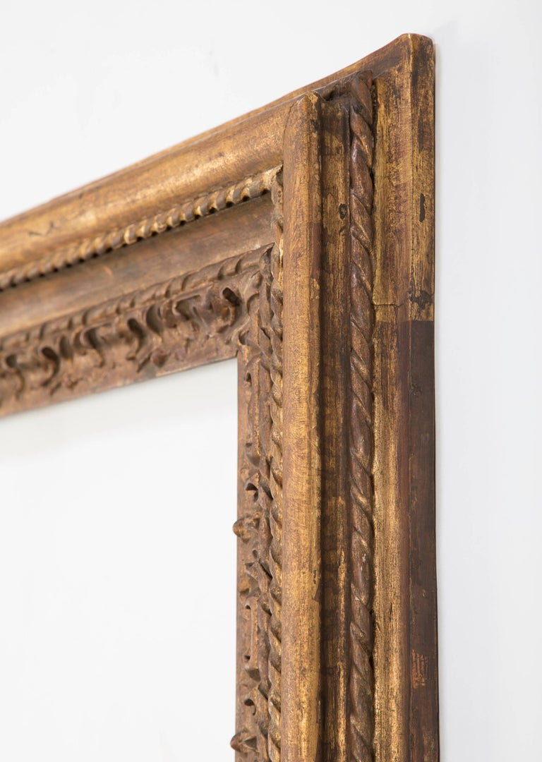 Italian Giltwood Mirror Frame, Large-Scale In Excellent Condition For Sale In Stamford, CT