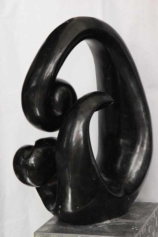 Shona African Modernist Marble Sculpture, Signed Edmore Makotore In Excellent Condition For Sale In New York, NY
