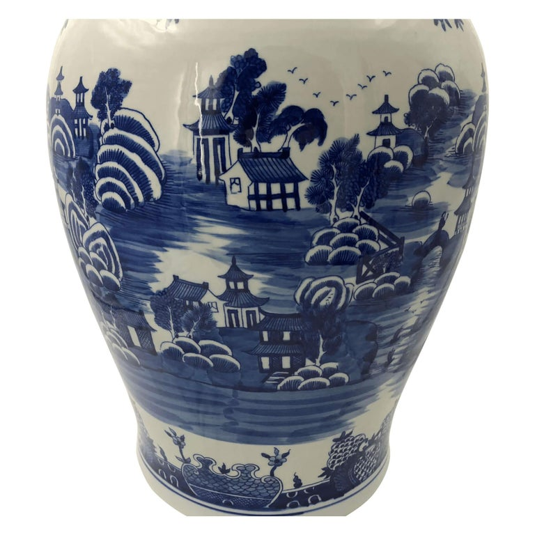 Pair of Chinese Blue and White Ginger Jars In Excellent Condition For Sale In New York, NY