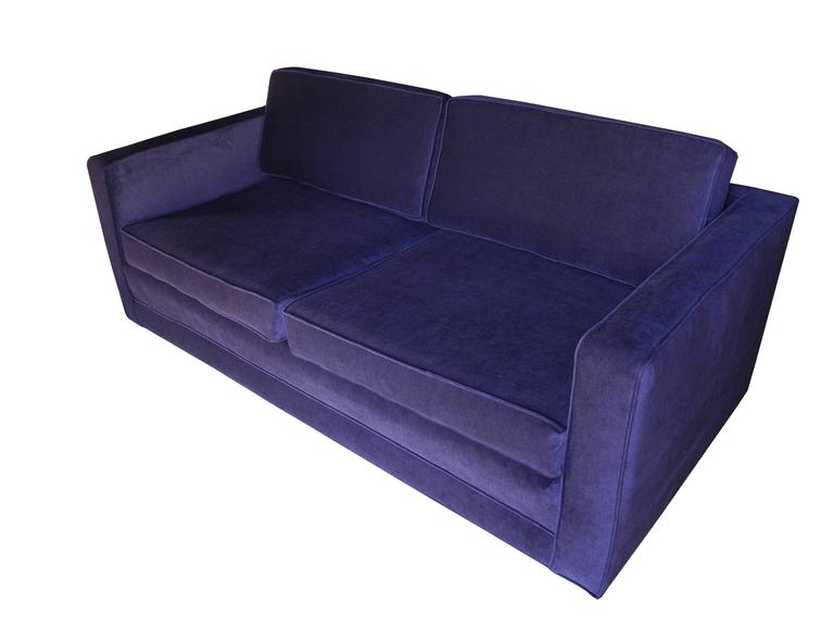 Mid-Century Modern Purple Velvet Sofa / Settee by Charles Pfister for Knoll In Excellent Condition For Sale In Hudson, NY