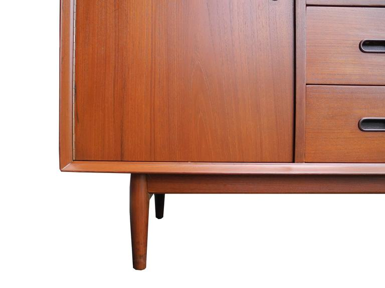 Danish Mid-Century Modern Teak, Drawers and Cabinet Sideboard by Arne Vodder For Sale 1