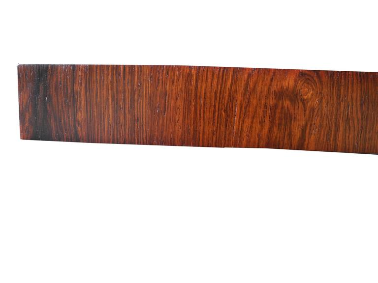 Striped Wood Dining Table by Milo Baughman for Directional with Two Leaves In Excellent Condition For Sale In Hudson, NY