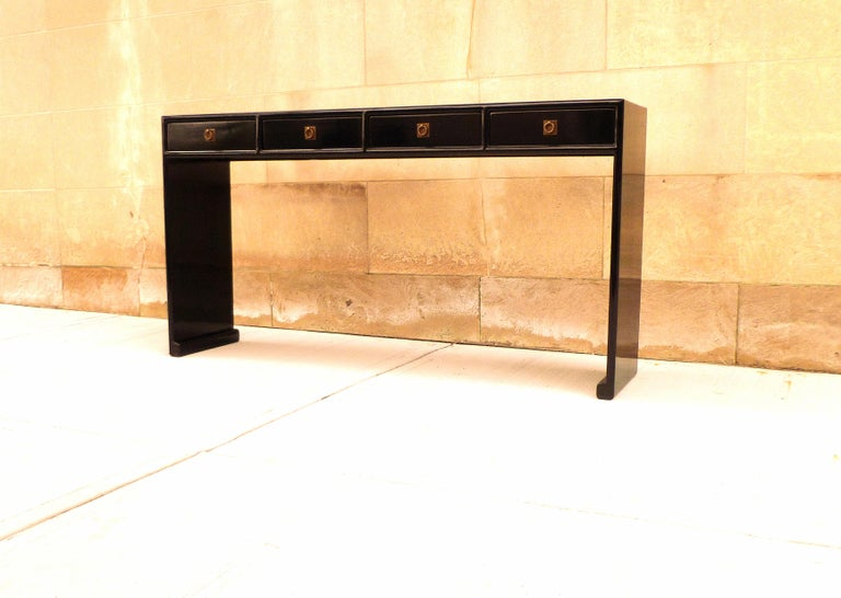 Chinese Fine Black Lacquer Console Table For Sale