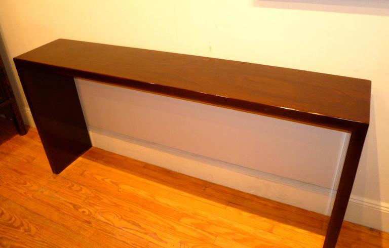 Fine and Elegant Ju Mu Wood Console Table In Excellent Condition For Sale In Greenwich, CT