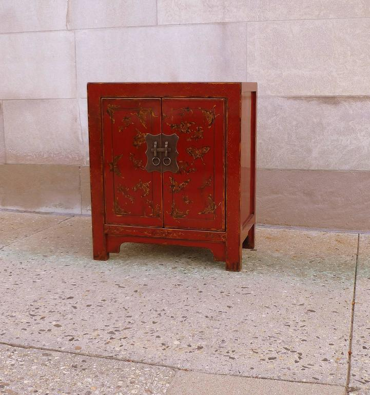 Chinoiserie Fine Red Lacquer Chest with Gilt Motif Design For Sale