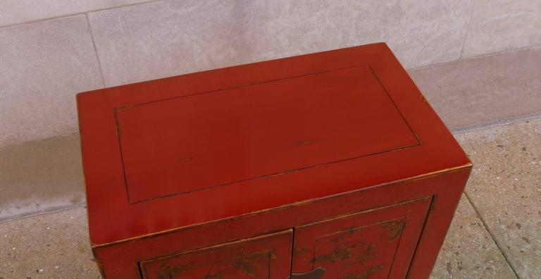 Fine Red Lacquer Chest with Gilt Motif Design For Sale 2
