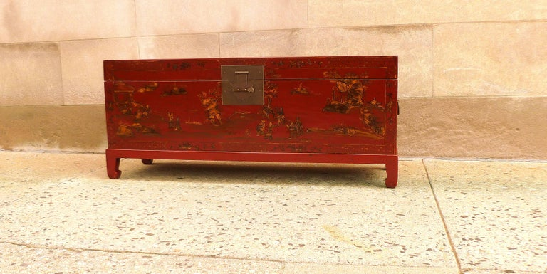Chinoiserie Fine Red Lacquer Trunk with Gilt Motif For Sale